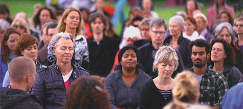 Tijn Touber - Meditatie op het Museumplein
